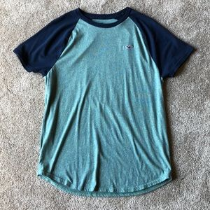 Hardly worn Men's size small Hollister T-shirt.